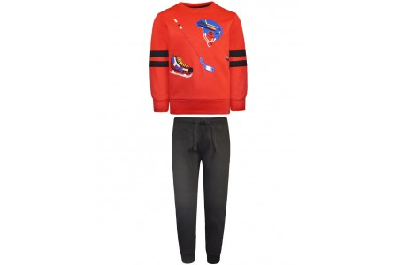 Sweatshirt form with ice hockey applique