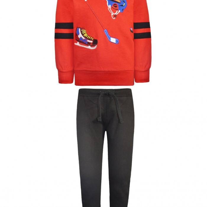 Sweatshirt form with ice hockey applique